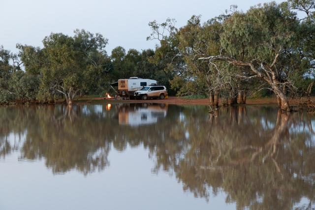Bush camping by Cardenyabba Lagoon_Kilcowera Station Dowling Way